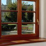 Деревянные окна принесут тепло и уют в ваш дом