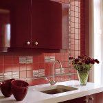Облицовка стен кухни плиткой